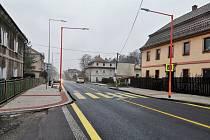 Z průtahu Českou Kamenicí dočasně zmizely semafory