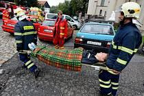 Hasiči cvičně evakuovali domov pro seniory ve Filipově.
