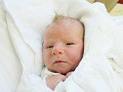 RICHARD VANĚK se narodil 11. dubna v liberecké porodnici mamince Lence Vaňkové z Jiříkova. Vážil 3,33 kg a měřil 53 cm.