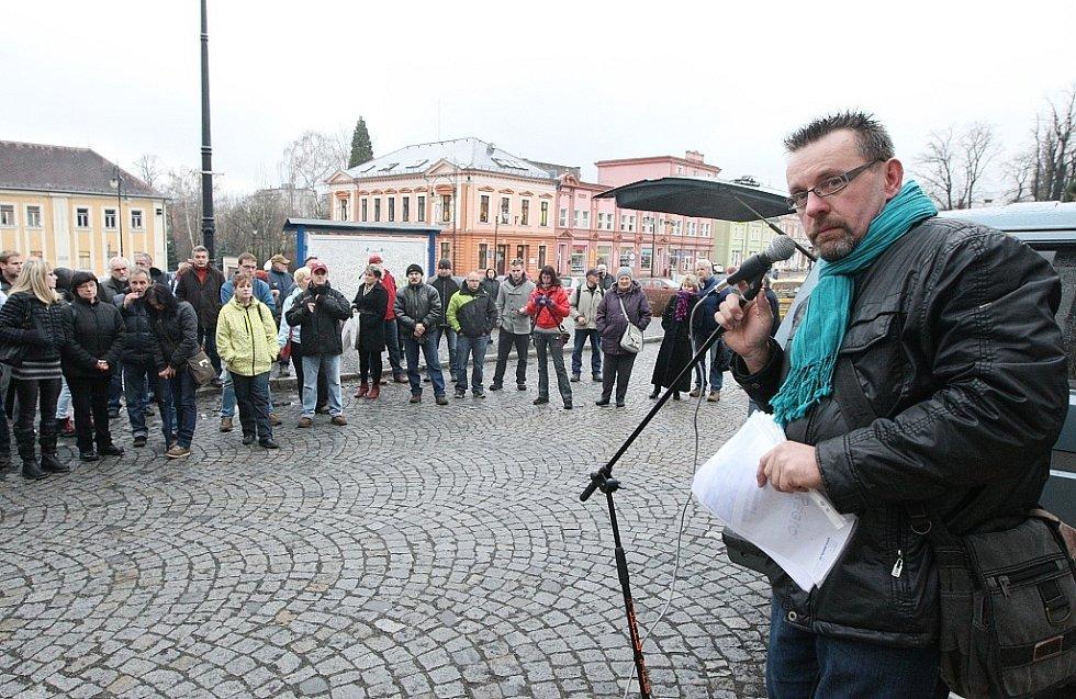 Demonstrace ve Varnsdorfu proti amnestii.
