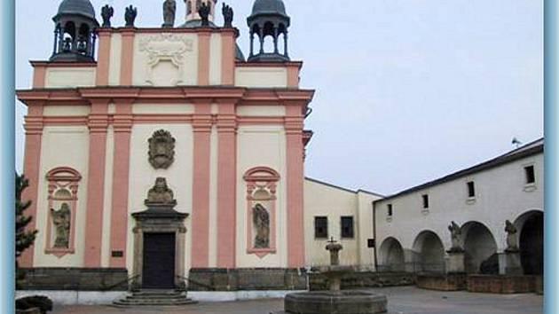 Kostel Povýšení sv. Kříže Děčín