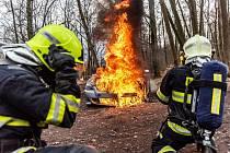 Požár osobního auta ve Varnsdorfu.