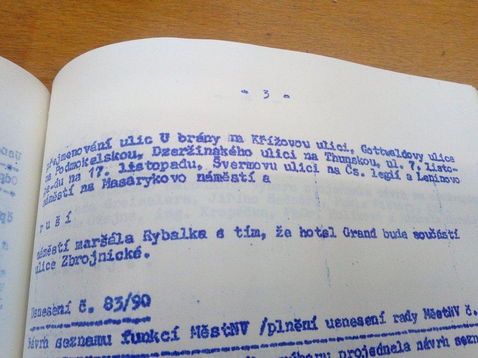 Usnesení rady městského národního výboru, kterým se změnily názvy děčínských ulic.