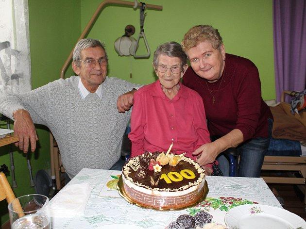 Nejstarší obyvatelce Ludvíkovic popřála rodina i sociální pracovnice.