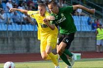 JAN JUROŠKA (ve žlutém) v utkání proti Sokolovu, které Varnsdorf prohrál 0:1.
