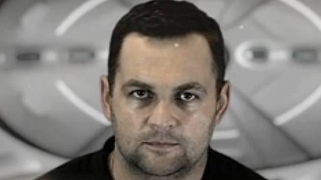 Jednou z hlavních postav klipu je trenér basketbalistů Pavel Budínský