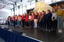 Pěvecký sbor Gymnázia Děčín a studenti německého Schyren-Gymnasium z Pfaffenhofenu.