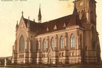 Kostel svatého Karla ve Varnsdorfu na historickém pohledu.