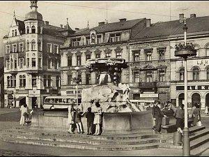 Děčínské náměstí v roce 1955.