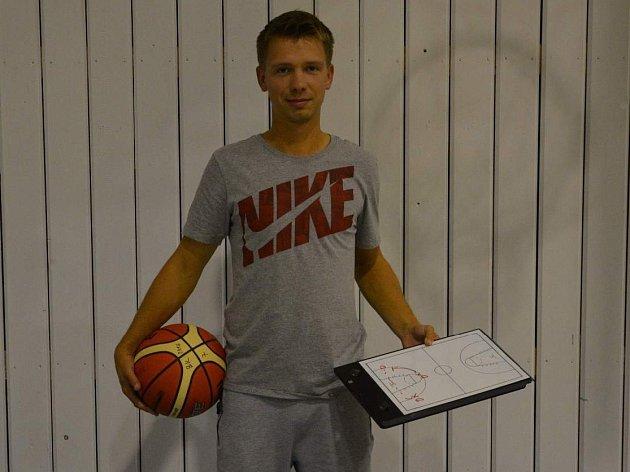 JIŘÍ FIALA - mládežnický trenér děčínského basketbalu.