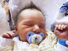 Štěpánek Marek se narodil Michaele Štěrbové z Huntířova 5. července v 9.32 v děčínské porodnici. Měřil 49 cm a vážil 3,12 kg.