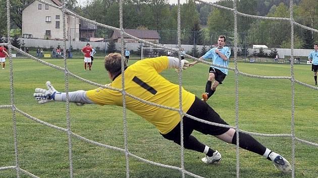 Vítěznou branku zaznamenali domácí z penalty.