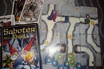 Karetní hra Sabotér.