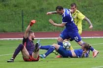 Remíza. Fotbalisté Varnsdorfu ve žlutém ukopali doma bod, s Vyšehradem remizovali 2:2.