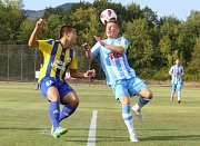 PŘEKVAPENÍ. Varnsdorf (v modrém) prohrál s Litoměřickem 0:2.