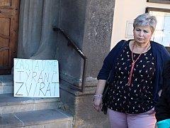 Soud s tyranem psa Ronnyho byl odročen.