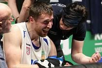 První finálový zápas Pavla Houšku hodně bolel.