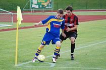 PLICHTA. Fotbalisté Varnsdorfu (v modrém) doma remizovali 0:0 s Opavou.
