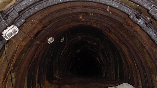 Pohled do hlubin bývalého fluoritového dolu