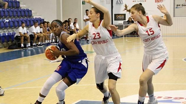 Přípravný zápas basketbalových kadetek ČR - Francie