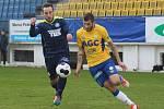 CENNÝ SKALP. Varnsdorf (tmavé dresy) porazil ligové Teplice 1:0.