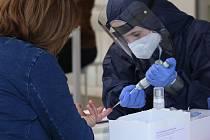 Testování - koronavirus. Ilustrační foto.