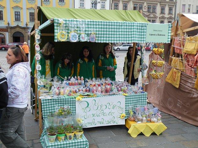 Děti z Dětského domova V Lipové u Šluknova opět nechyběly na regionálním Jarmarku pro šikovné ručičky