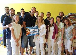 Sport basketbal dětské oddělení nemocnice finanční dar