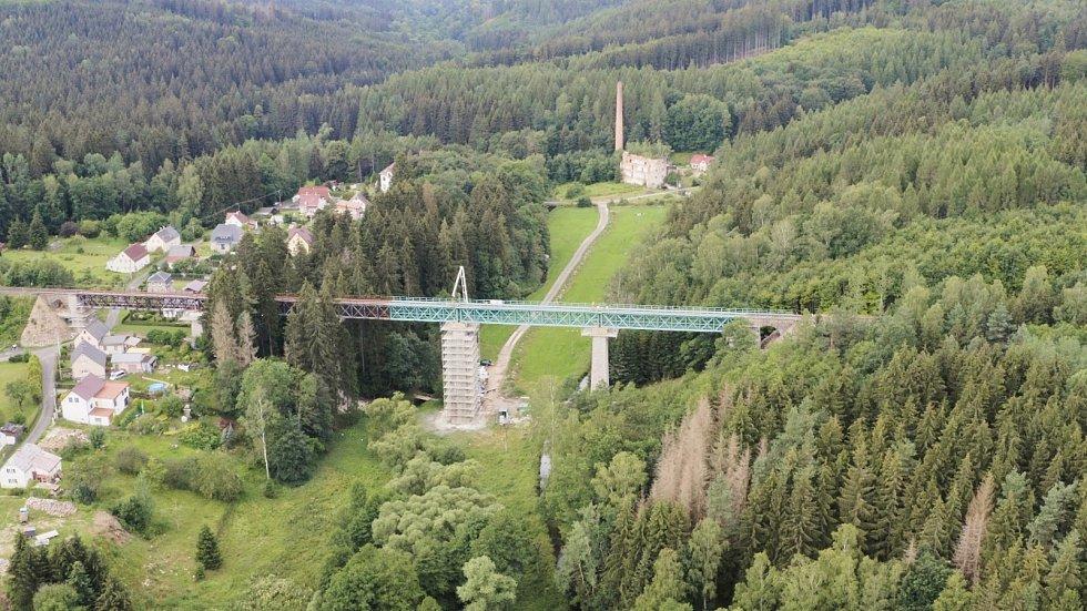 Oprava vilémovského viaduktu míří do finiše.