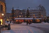 Adventní trhy ve vánočních Drážďanech.