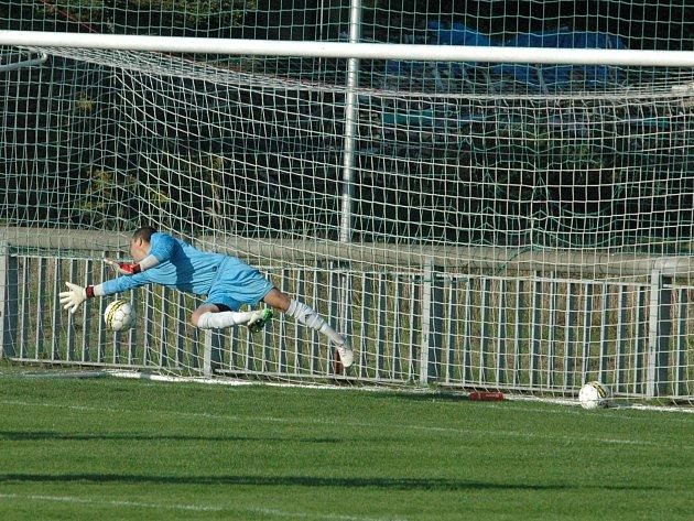 FOTBALISTÉ JÍLOVÉHO zakončili úspěšný podzim porážkou 0:1 v Pokraticích.