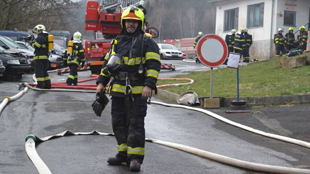 Pavel Mošner finanční odměnu 10 tisíc korun rozdělí mezi hasiče.