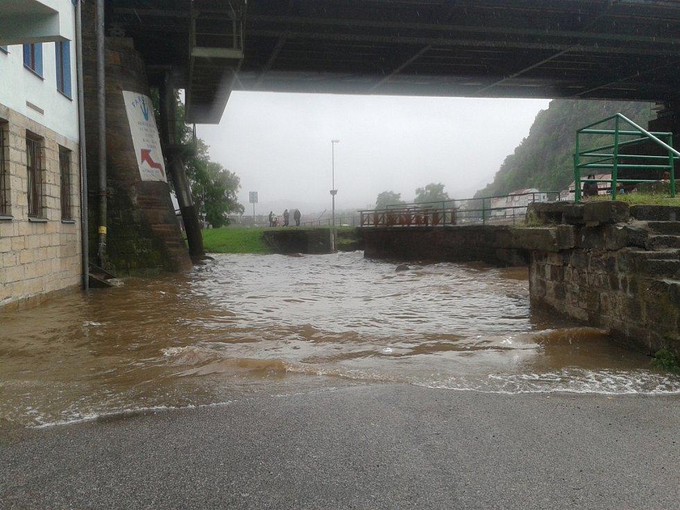 Velká voda v Děčíně v neděli 2.6.2013.