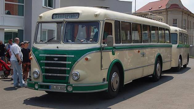 Dopravní podnik slaví šedesátiny