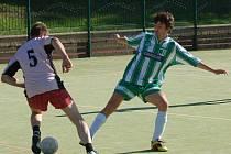 SLOVANKA DĚČÍN (v zeleném) si v přátelském utkání poradil s Los Kozlos 9:3.