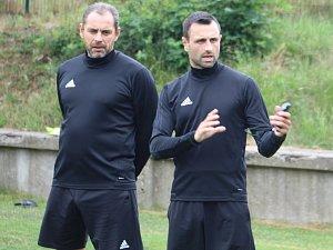 PRVNÍ TRÉNINK. Fotbalisty Varnsdorfu vedl poprvé trenér David Oulehla.