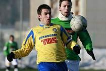 Slovan Varnsdorf (ve žlutém) prohrál s ligovým Jabloncem 1:4.