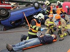 Krajská soutěž hasičů ve vyprošťování se konala v Děčíně.