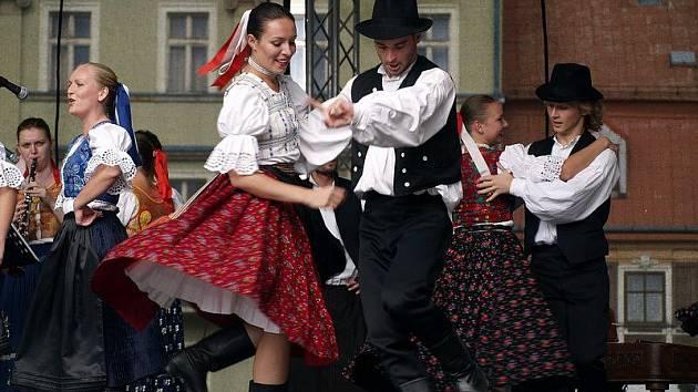 Popáté se konal Mezinárodní folklorní festival Tolštejnského panství.
