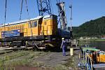 Místo po kolejích přijela o víkendu do Děčína sedmička původem československých nákladních lokomotiv po Labi.