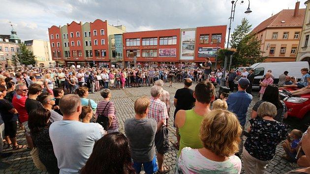Demonstrace za Lužickou nemocnici