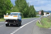 Ve Vilsnici byla snížena rychlost z 90 km/h na 70 km/h asi dva roky. Nyní už není.