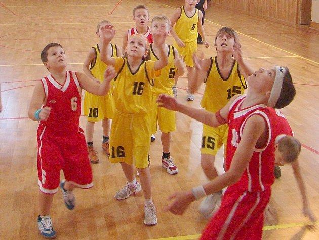 Mladí basketbalisté mají za sebou další zápasy.