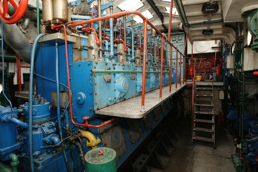 Opravený největší tažný remorkér Beskydy spouštěli po půl roce na vodu.