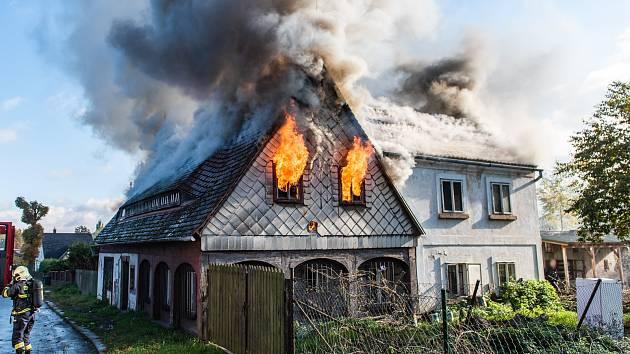Ranní požár ve Varnsdorfu.
