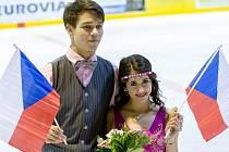 STŘÍBRNÁ RADOST. Michal Češka společně se svou partnerkou Cortney Mansour vybojoval na Memoriálu Pavla Romana pěkné druhé místo.