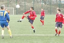 Dva góly dal v utkání s Milešovem Betyár (uprostřed).