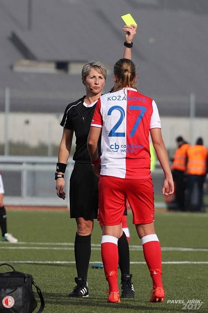TEREZA KOŽÁROVÁ začínala fotbalem vBřezinách. Teď válí za Slavii.