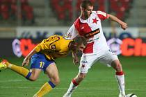 KONEC! Fotbalisté Varnsdorfu (ve žlutém) prohráli v Praze 0:1. Postupuje Slavia.