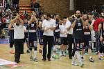 DĚČÍNŠTÍ BASKETBALISTÉ padli i ve třetím finále proti Nymburku.
